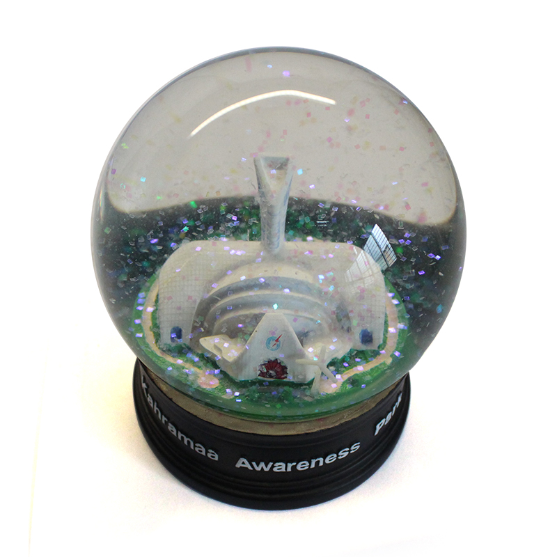 Unique building scape snow ball custom resin tourist souvenir waterglobe