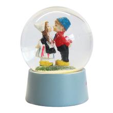 custom resin valentine c romantic human couple kiss blue base snow globe