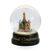 customized ecofriendly glass and resin snow ball for souvenir