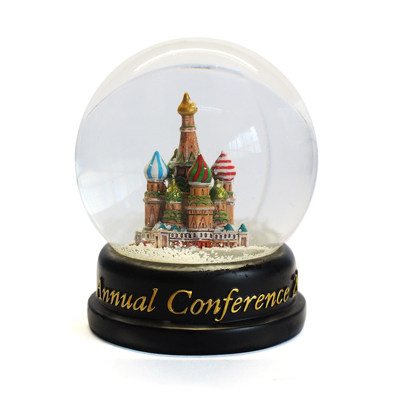 Custom resin glass snow ball romantic love souvenir gift snow globe