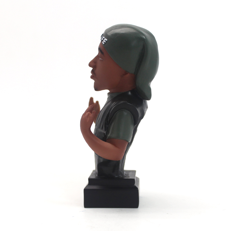 OEM hot selling resin character figurine home decor bobble head