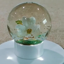 customized ecofriendly souvenir glass and resin lucky flower snow ball maker