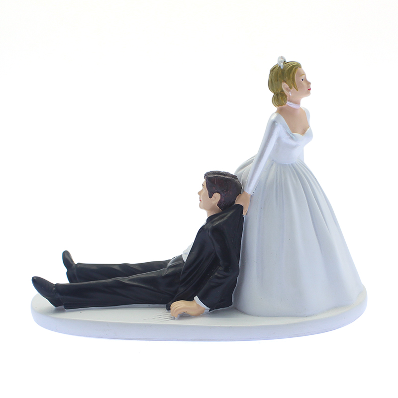 Resin funny statues wedding love theme couple polyresin figurines for wedding decoration gift